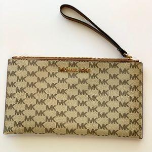 Micheal Kors wristlet wallet